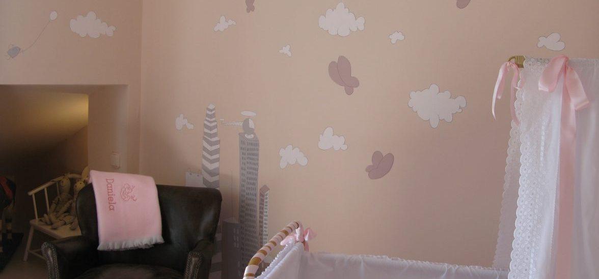Imagen mural habitación infantil para slider Habitaciones Infantiles con ciudad sobre fondo rosa maquillaje